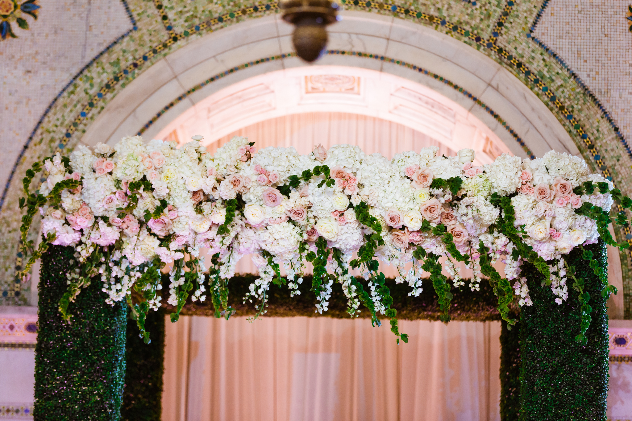 Decor and chuppah by Fleur at the Chicago Cultural Center