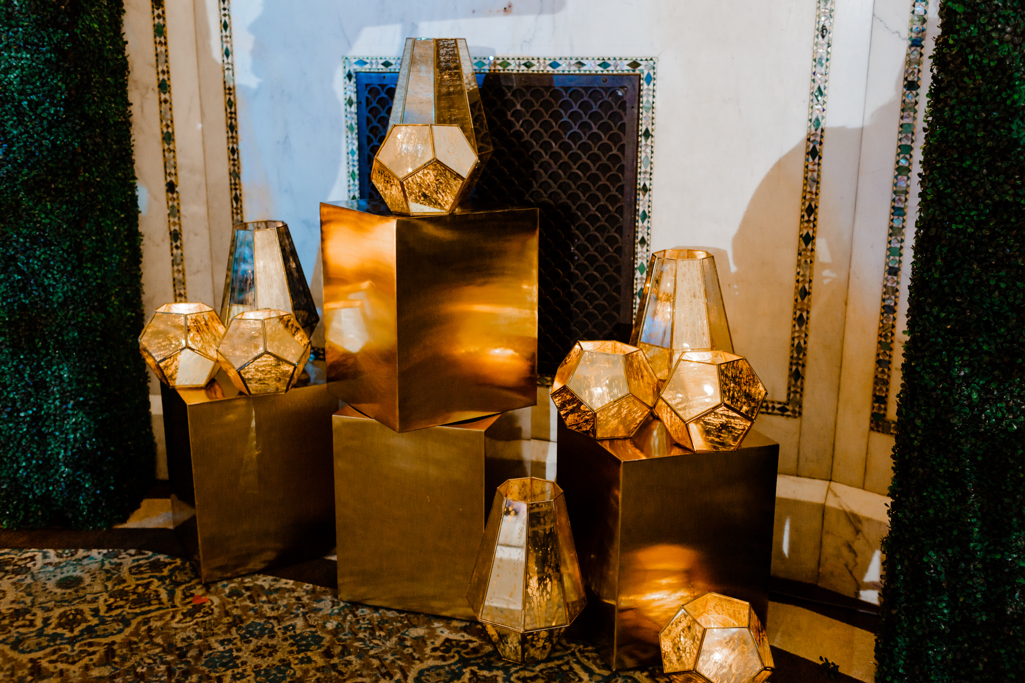 Glass gold lanterns